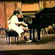 SCHUMANN «Aufschwung» –  Fantasiestücke opus 12 par Véronique Bracco à 14ans (5 ans de piano)