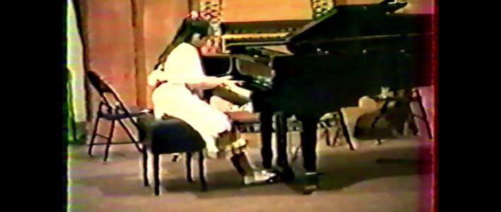 "SCHUMANN ""Aufschwung"" -  Fantasiestücke opus 12 par Véronique Bracco à 14ans (5 ans de piano)"